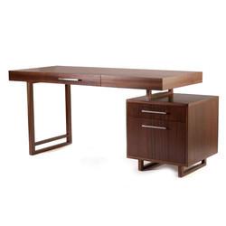 Masivní pracovní stůl