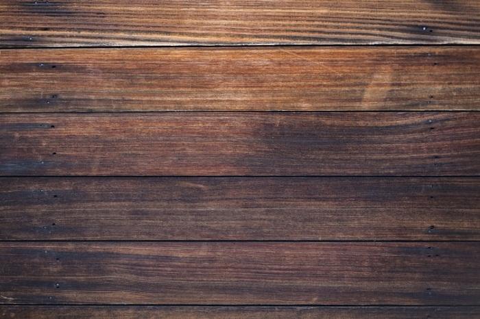 Farba na drevo, ktoré máte na záhrade