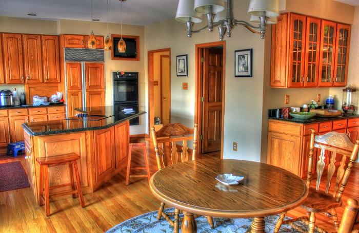 Dizajn kuchyne v zrube